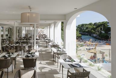 Terraça Hotel AluaSoul Mallorca Resort (Només Adults) Cala d'Or, Mallorca